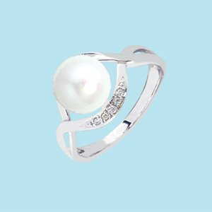 9K WHITE GOLD PEARL DIAMOND RING